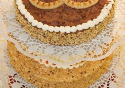 Hochzeitstorte 3-stöckig Himbeer Frankfurter Kranz Mousse au Chocolat