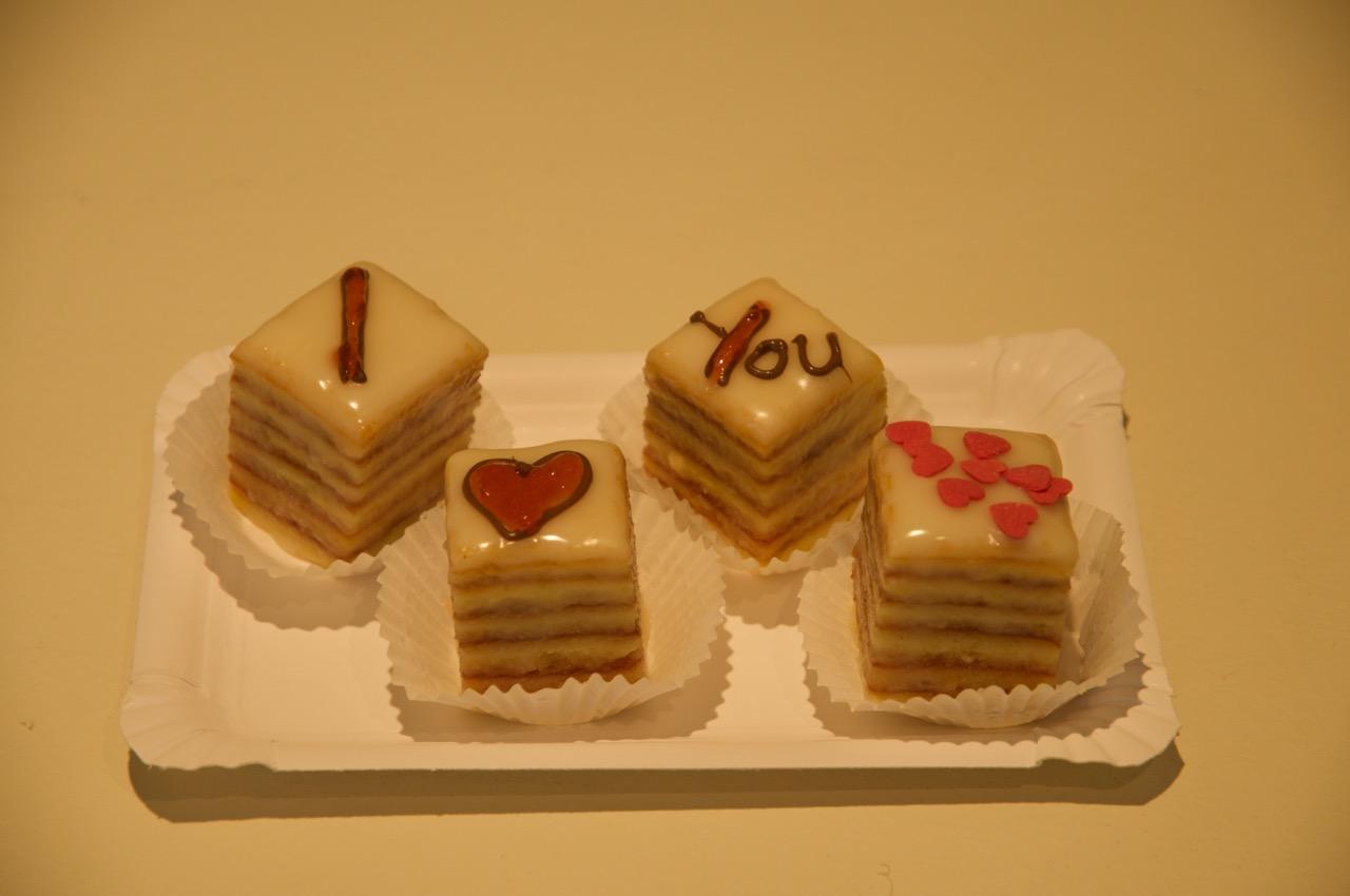 Petit-Fours zum Valentinstag